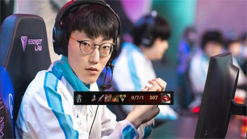 Dù thắng trận nhưng Netizen Hàn vẫn có cớ chỉ trích DAMWON Gaming - 'Meta nào rồi còn pick Fiora'