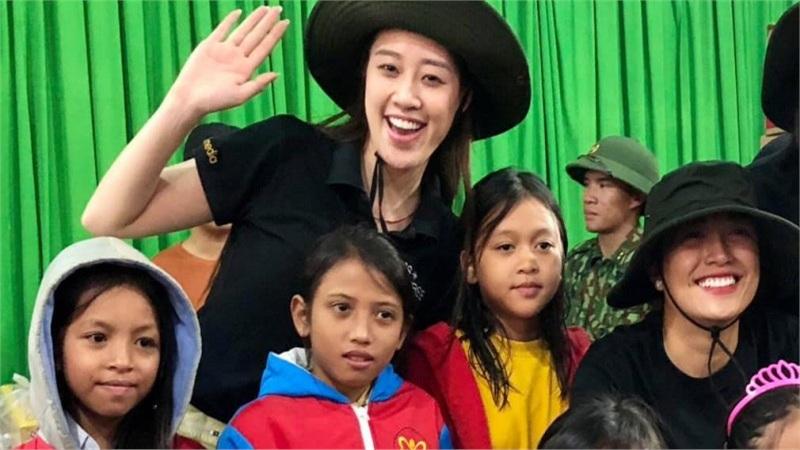Hoa hậu H'Hen Niê, Khánh Vân, Lệ Hằng, Lê Thuý tích cực làm từ thiện sau đợt bão lũ tại miền Trung