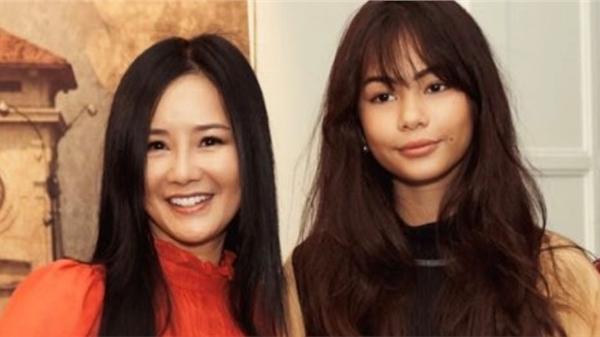 Giáng My, Diva Hồng Nhung chúc mừng NTK Li Lam ra mắt BST 'Lam River'