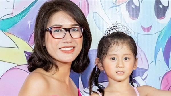 Trang Trần buồn vì sinh nhật con gái thiếu vắng chồng