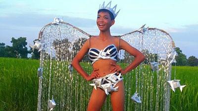 Thiên thần Victoria Secret 'cạn lời' khi xem màn catwalk này