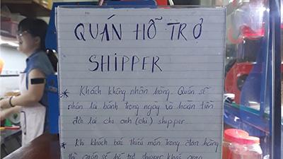 Boom hàng thì hoàn tiền, thiếu hàng thì giao bổ sung - sự tử tế của chủ cửa hàng được giới shipper thả triệu 'like'