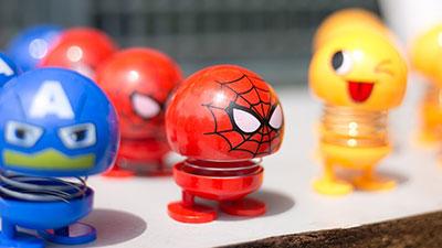 Không chỉ có emoji, đội quân thú nhún 'xâm chiếm trái đất' còn có thêm biệt đội siêu anh hùng