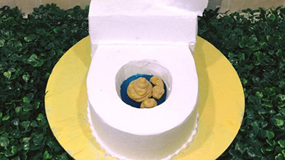 Chiếc bánh sinh nhật có hình thù nhạy cảm khiến chủ nhân hốt hoảng còn dân mạng được phen đồng tình: Giữa hài hước và vô duyên chỉ cách nhau 1 đường chỉ