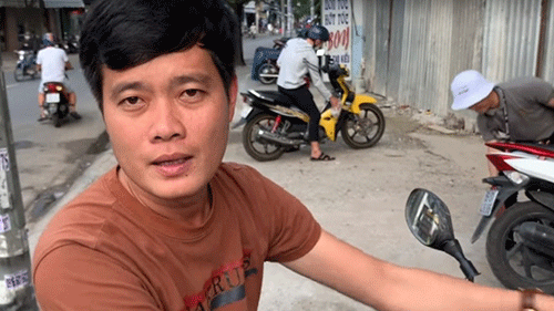Phó GĐ Điền Quân Khương Dừa: 'Tôi bị bảo vệ đuổi khỏi công ty vì tưởng mình bán vé số'
