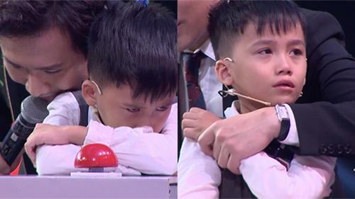 Siêu trí tuệ: Giọt nước mắt của cậu bé 7 tuổi ở câu hỏi cuối khiến cả trường quay lặng người