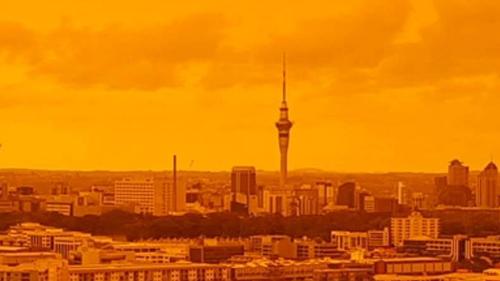 Bầu trời New Zealand chuyển màu cam do ảnh hưởng từ thảm họa cháy rừng ở Australia