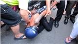 Cô gái bán thịt heo vật ngã tên cướp giật dây chuyền ở Sài Gòn