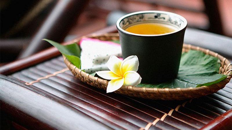 Những ngày khó khăn bởi dịch bệnh, ngẫm thấm thía: Đời người giống như một chén trà, tuy không đắng cả chén nhưng sẽ đắng vài ngụm