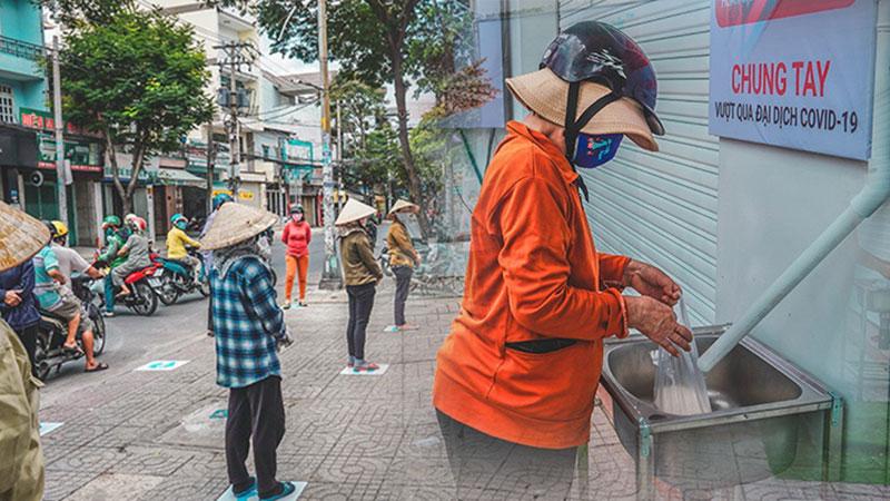 Sài Gòn: xuất hiện 'ATM gạo' hoạt động 24/24 miễn phí cho người nghèo