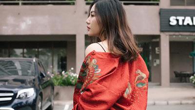 Văn Mai Hương điệu đà xuống phố ngày cận Tết