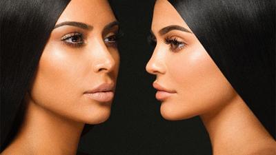 Cùng mẹ khác cha nhưng Kim Kardashian và Kylie Jenner lại như chị em sinh đôi
