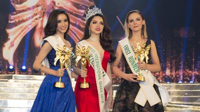 Hương Giang xuất sắc đăng quang HH Chuyển giới Quốc tế 2018