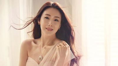 Báo Hàn tiết lộ thêm thông tin về người chồng bí ẩn của Choi Ji Woo