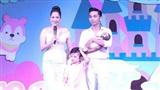 Khánh Thi - Phan Hiển khoe ảnh đầy tháng của con gái