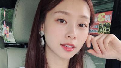 Nếu mệt mỏi khi dưỡng da 10 bước kiểu Hàn, có lẽ nàng da dầu sẽ thấy 'chân lý' nhờ chu trình tối giản chỉ dăm ba bước cơ bản