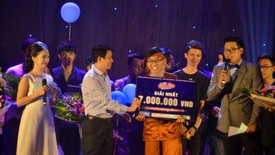 Hát hit của Lê Cát Trọng Lý, nam sinh Luật chiến thắng cuộc thi Let's Sing 2017