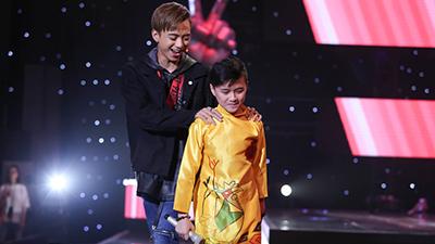 Hương Tràm tiếc hùi hụi vì để rơi 'hoàng tử Hàn Quốc' vào tay Soobin Hoàng Sơn