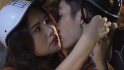 Ghét Thì Yêu Thôi tập 15: Lại một lần nữa Kim mất nụ hôn vào tay Du!