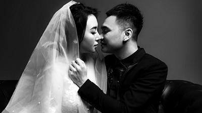 Bộ ảnh cưới đen trắng 'chất lừ' của ca sĩ Khắc Việt và vợ DJ
