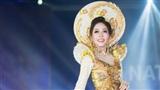 Á hậu Phương Ngatoả sáng tại đêm trình diễn trang phục dân tộc Miss Grand International 2018
