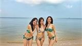 Bộ ba Phanh Lee - Huyền Lizzie - Thu Hoài khoe thân hình nóng bỏng cùng bikini