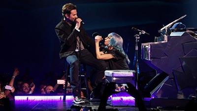 Đêm nhạc đặc biệt của Lady Gaga: Quá nhiều điều tuyệt vời và không thể kìm nước mắt!
