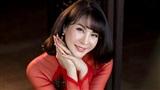 Tóc ngắn trẻ trung, MC Thanh Mai gợi ý chọn áo dài thêu tôn dáng để đón Xuân về