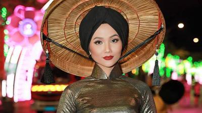 H'Hen Niê là nhân vật thứ 2 trong showbiz lọt Top 50 Phụ nữ ảnh hưởng nhất Việt Nam 2018