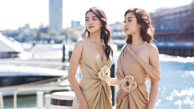 Hoa hậu Mỹ Linh, Tiểu Vy đọ nhan sắc 'một 9 một 10' khi cùng dạo phố tại Sydney