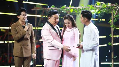 Quang Lê bất ngờ nắm tay công bố 'vợ tương lai' trên sân khấu 'Ai sẽ thành sao'