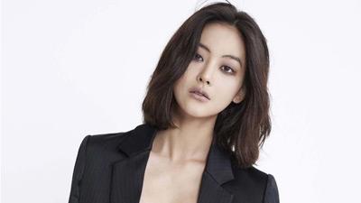 Chân dung 'Tiểu tam tin đồn' xen vào Goo Hye Sun và Ahn Jae Hyun: Mỹ nhân gợi cảm sở hữu vòng 1 nóng bỏng, từng có đoạn tình ái với Kim Bum