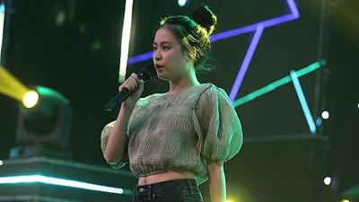 Hoàng Thùy Linh để lộ đùi to, bụng mỡ nhưng vẫn xinh hết phần thiên hạ khi đi tổng duyệt VTV Awards 2019