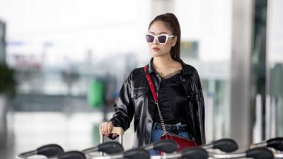Sau tuyên bố không cần đại gia, Hoa hậu Tuyết Nga thả dáng tự tin với outfit cả trăm triệu đồng tại sân bay