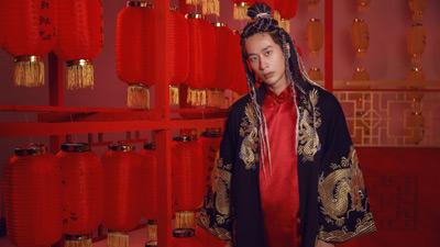 Sau nhiều lần úp mở, Tuấn Trần chính thức ra mắt MV đầu tiên trong sự nghiệp