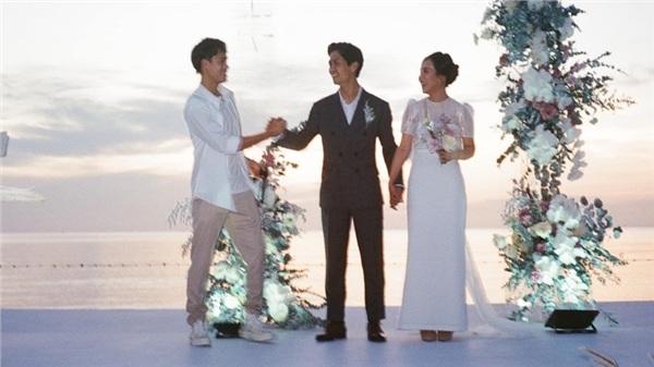 Văn Toàn viết tâm thư gửi Công Phượng sau đám cưới