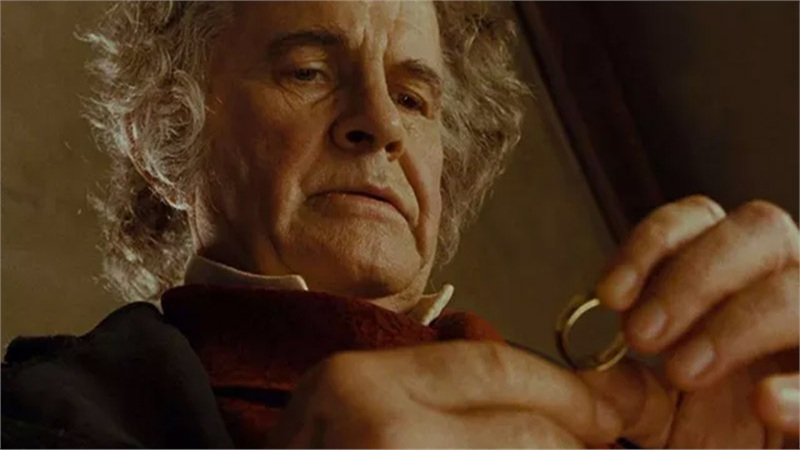 Huyền thoại The Lord of the Rings qua đời, cộng đồng game thủ tưởng nhớ, tổ chức lễ viếng trang trọng trong game