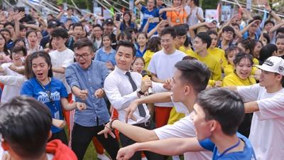 Sinh viên Bách Khoa 'quẩy' hết mình với MC Nguyên Khang