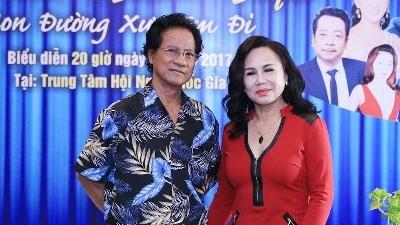 Lần đầu gặp, Chế Linh đã đòi hôn tay Thanh Tuyền!