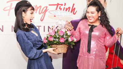 Angela Phương Trinh 'quẩy' hết mình cùng fan trong buổi offline