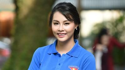 Hoa hậu Biển Thùy Trang mang Trung thu đến các bệnh nhi