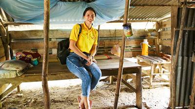 Trang Trần dành tiền cát-xê đóng phim xây nhà cho người nghèo