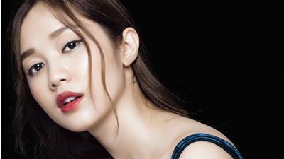 'Em gái' Ngọc Trinh sẽ cùng Lý Nhã Kỳ bước trên thảm đỏ LHP Cannes 2018