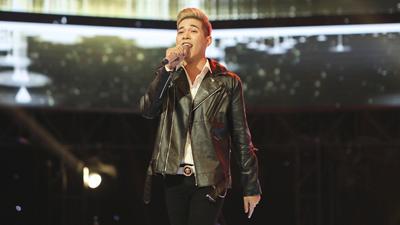 Giọng hát Việt (Tập 2): Hotboy đến từ Campuchia khiến sân khấu nổ tung với siêu hit 'Hương à'