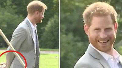 Hoàng tử Harry 'ngượng chín mặt' khi bị bắt gặp giấu món đồ này đằng sau lưng, chấp nhận chịu 'lép vế' Meghan để lấy lòng mẹ vợ