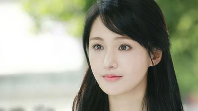 Rộ tin Trịnh Sảng đóng 'Tân thiện nữ u hồn', dân mạng lại ra sức phản đối: Cô ta đủ năng lực sao?