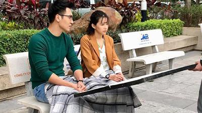 Hé lộ cảnh Lưu Đê Ly đắp chung chăn với Mạnh Trường trong 'Chạy trốn thanh xuân'