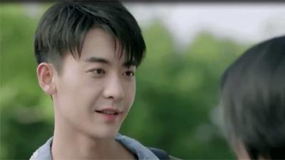 'Anh chỉ thích em': Triệu Quan Triệu là 'anh trai quốc dân' hay 'chàng trai vàng trong làng tự vả'?