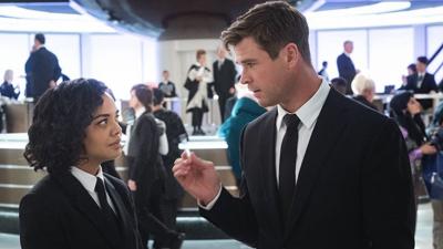 Phần phim mới 'Men In Black' do 'Thần Sấm' Chris Hemsworth đóng chính có gì đáng xem?