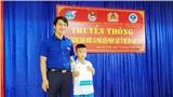 Cứu em nhỏ đuối nước, học sinh lớp 5 được tặng Huy hiệu 'Tuổi trẻ dũng cảm'